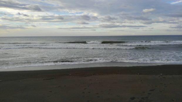 フィリピン パナイ島でサーフィン